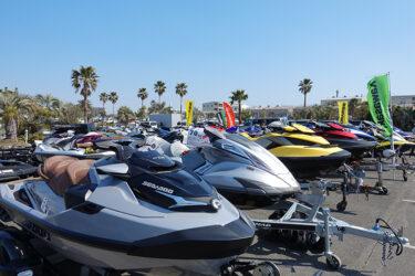 水上バイクの中古艇が70艇以上も並ぶ展示・即売会「湘南合同中古艇フェア」が今年も開催