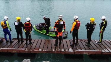 水上バイクを用いた、小型水難救助艇操縦士の養成講習会を実施